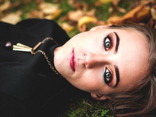 Barwy jesieni urzekają swoją intensywnością. Zainspirowałam się, więc nimi w makijażu :)