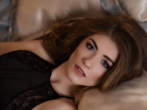 Zobacz makijaż i fryzure do sesji sensualnej :)